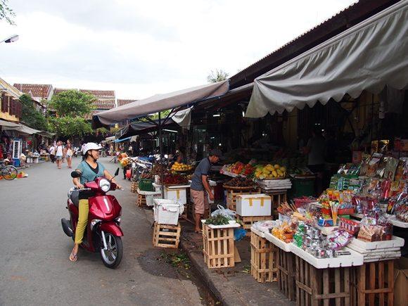 ホイアン 市場