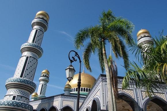ブルネイツアー 半日で回る水上集落と新旧モスク観光
